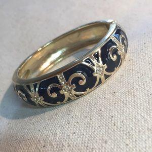 Jewelry - Black enameled hinged bangle
